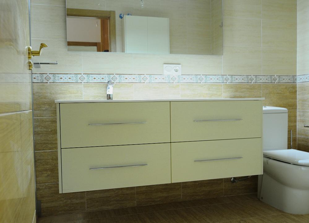 Baños Vestidores Fotos:Baño compuesto por dos módulos de gavetas deslizantes