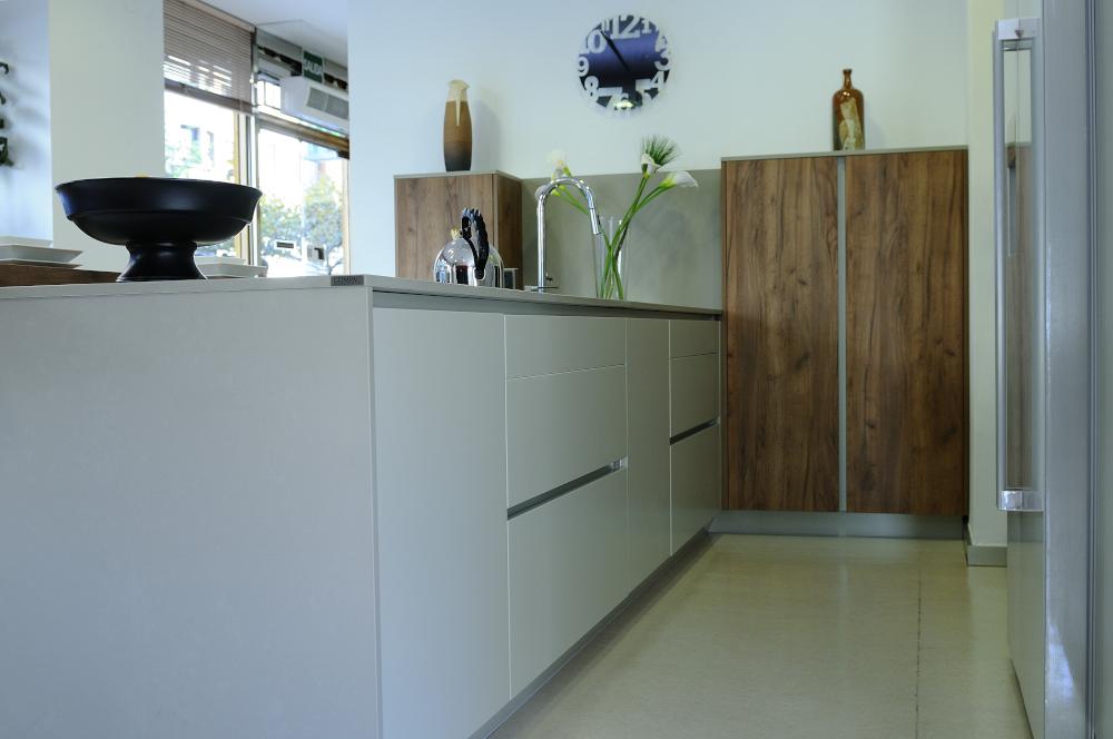 Presentaci n de arcos estudio de cocina y ba o for Muebles de bano en leon